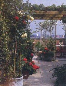 Artefiori fioriti belli eclettici balconi come giardini - Piccoli giardini fioriti ...